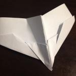 Hobi Baru Kimi: Membuat Kapal Terbang Kertas