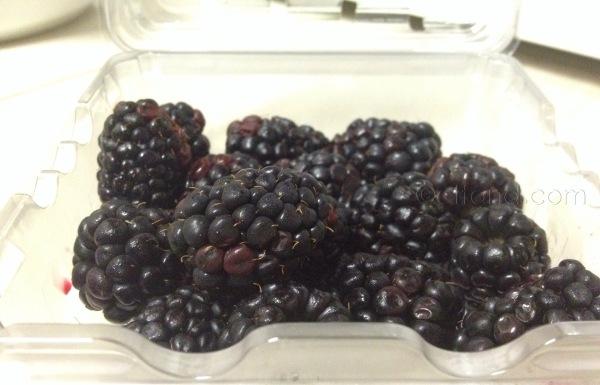 Resepi Smoothie: Buah Blackberry dan Almond
